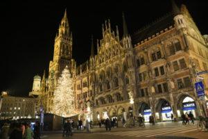 Neves Rathaus e Marien Platz