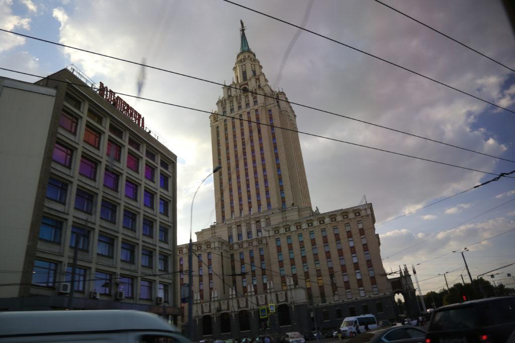 Mosca, uno dei sette grattacieli gemelli fatti costruire da Stalin.