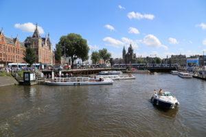 Nei pressi di Station Amsterdam Centraal.