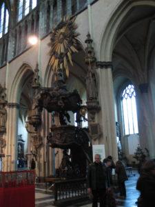 Chiesa di Nostra Signora, interno.