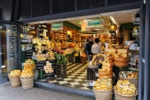 Un negozio di formaggi.