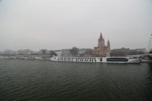Il Danubio di giorno.