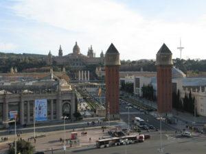 Da Placa de Espanya a Montjuic.