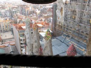 Vista dalle guglie della Sagrada Familia.