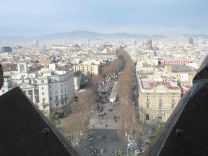 La Rambla vista da sopra il monumento a Cristoforo Colombo.
