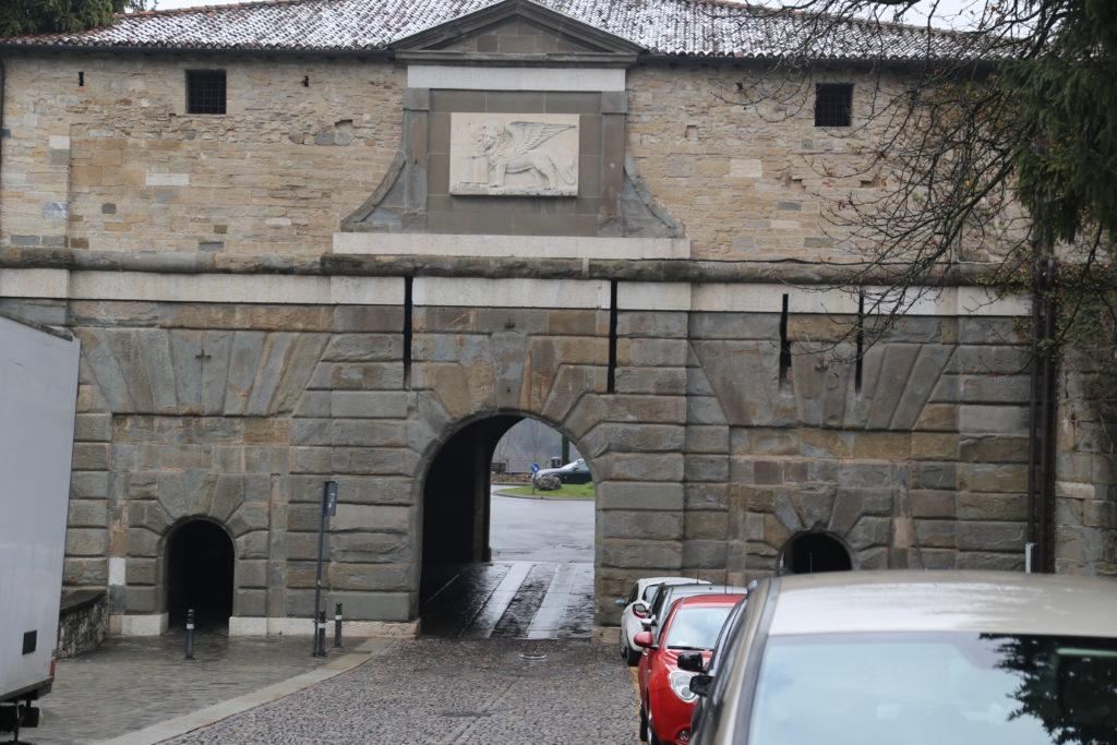 Porta S. Alessandro.