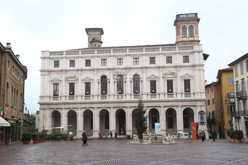 Palazzo Nuovo - Biblioteca civica.