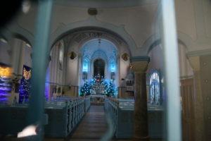"""St. Elizabeth Church meglio conosciuta come la """"Chiesa Blu"""" - Interno."""