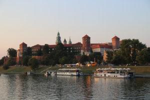 Il Castello di Wawel visto da ponte sulla Vistola.