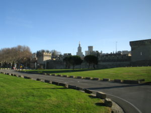 Avignone, le mura della città.