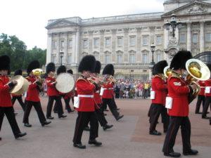 Buckingham Palace, Il cambio della guardia