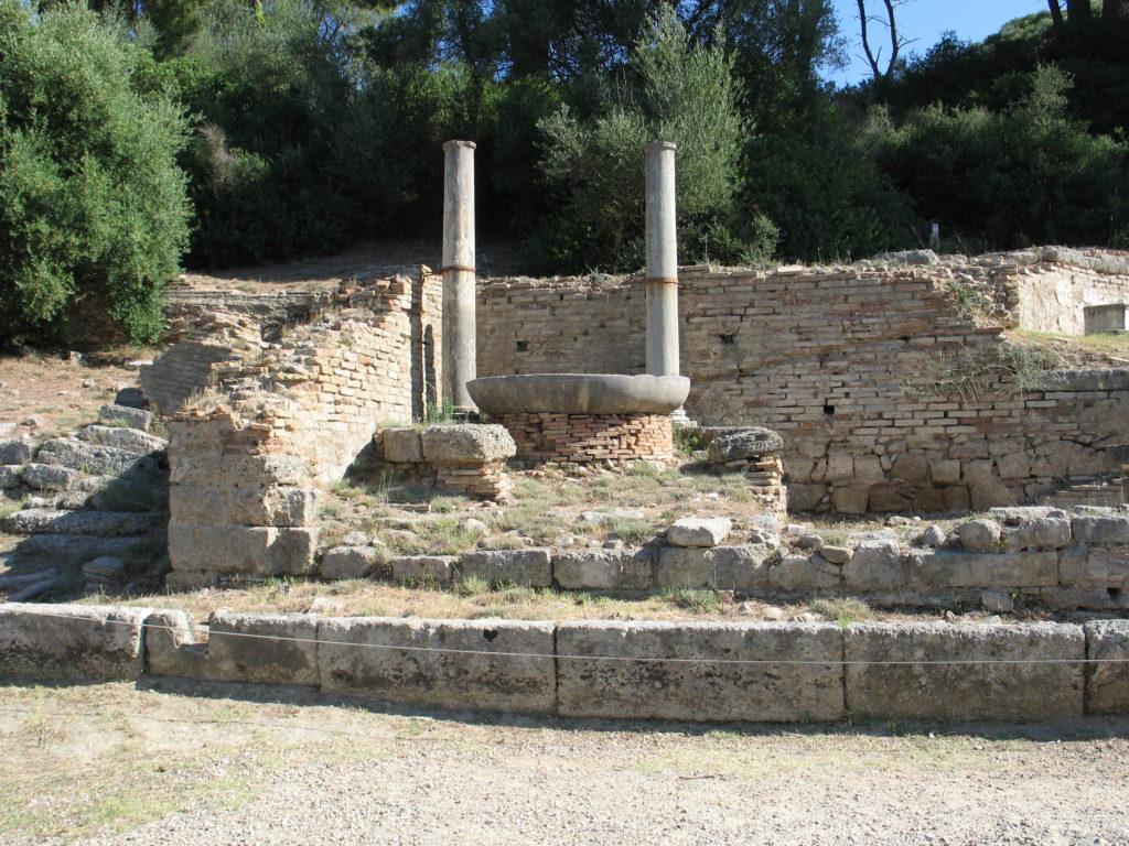 Olimpia, il braciere della prima fiaccola olimpica.