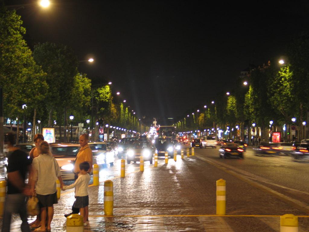 Gli Champs Elysée