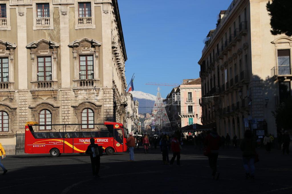 L'inizio di via Etnea a Piazza del Duomo.