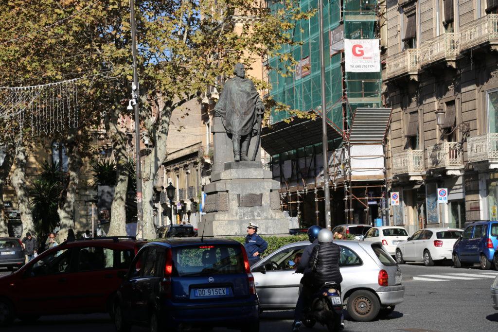 Largo del Rinazzo, statua di Garibaldi.