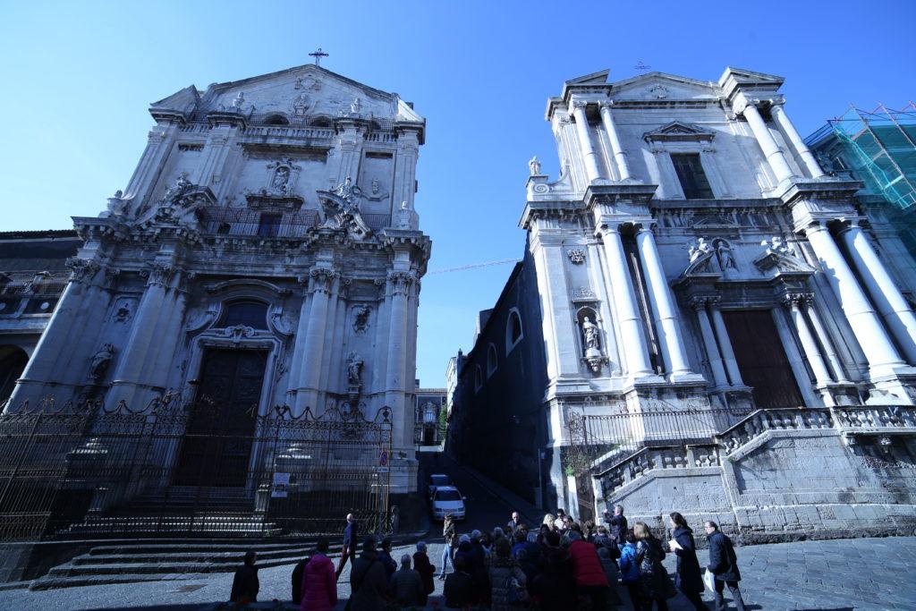 Monastero di San Benedetto (Sx) e Chiesa di San Francesco Borgia (Dx).