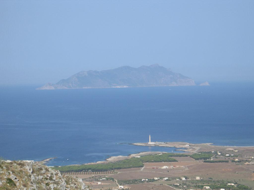 Punta Sottile e Marettimo visti da Santa Caterina.