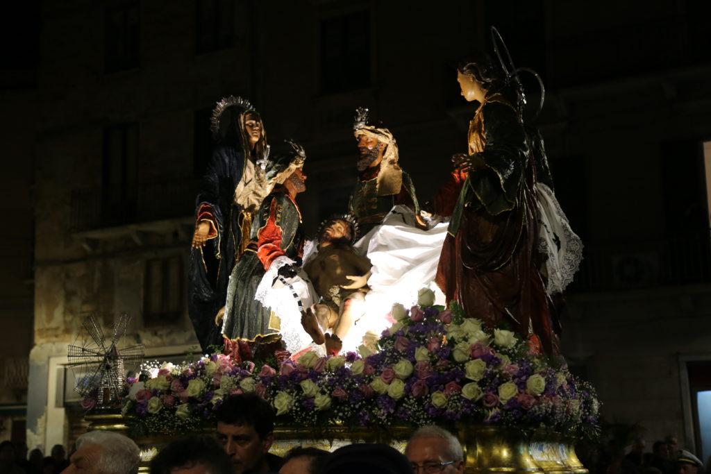 Il trasporto al Sepolcro - Ceto dei Salinai.
