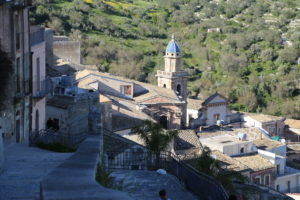 Chiesa di S. Maria dell'Itria vista da via Scale.