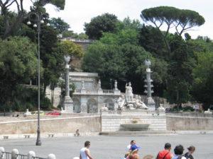 Piazza del Popolo, fontana della Dea di Roma.
