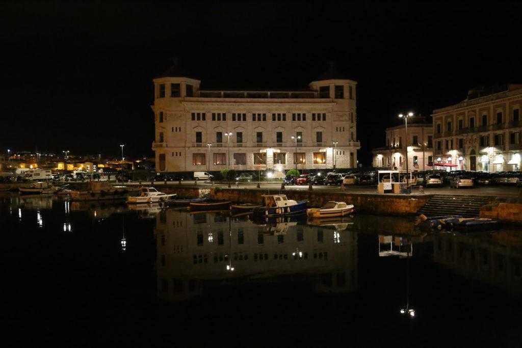 Il vecchio palazzo delle Poste.