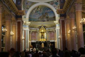 La Basilica - Interno.