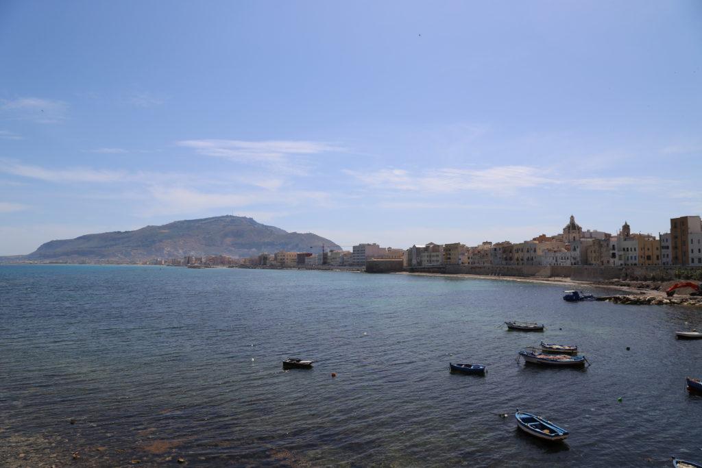 Panoramica con le mura di Tramontana, Erice sullo sfondo