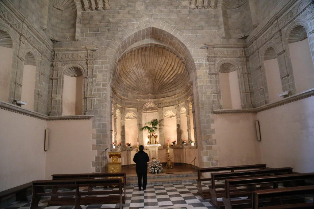 Basilica dell'Annunziata, interno.