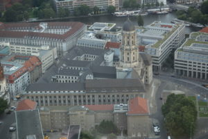 Altes Stadthaus visto dalla torre della televisione.