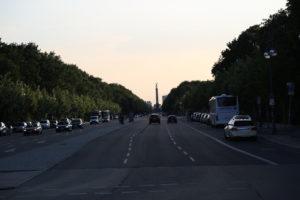Großer Tiergarten, Il più grande e più antico parco di Berlino con servizi per famiglie, sentieri e una colonna della vittoria.