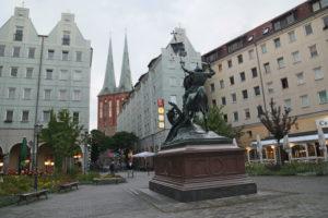 Statue de Saint Georges.