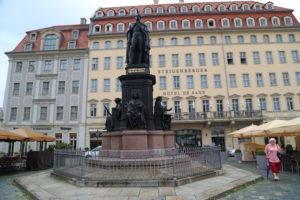 Statue Friedrich Augusts II.