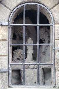 Le statue sul ponte Carlo.