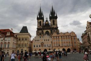 Piazza della città vecchia e Chiesa di Santa Maria di Týn.