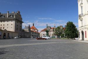 La piazza davanti all'ingresso del Castello.