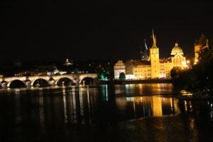 La Moldava e Ponte Carlo.