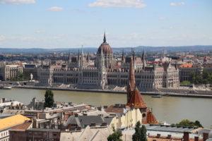 Il Parlamento visto dal Bastione dei Pescatori.