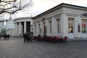Elisenbrunnen (Fontana di Elisa).