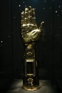 Visita al tesoro - Braccio di Carlo Magno.
