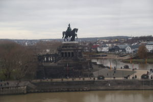 Memorial of German Unity visto dalla cabinovia.