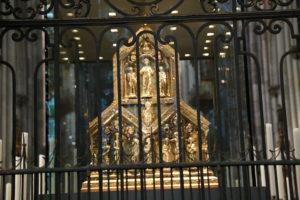 La Cattedrale di Colonia, il reliquiario con i resti dei Re Magi.
