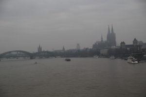 Il Reno, la Cattdrale di Colonia e ponte Hohenzollern.