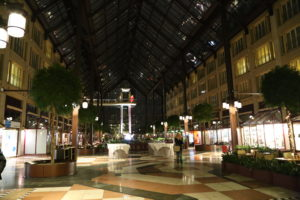 Centro commerciale.