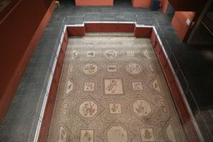 Museo di antichità e manufatti romani.