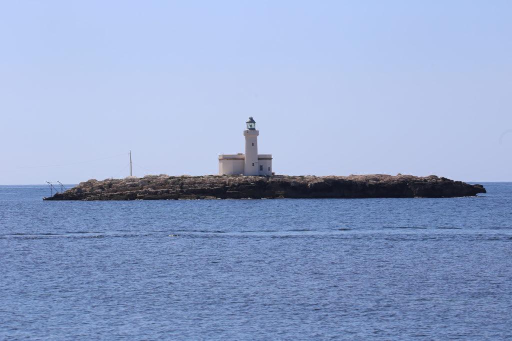 Faro sullo scoglio Palumbo.