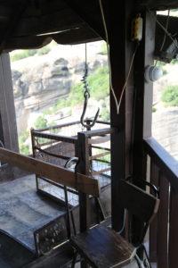 Scorcio interno, l'antico argano per accedere al Monastero.