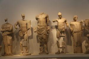 Il Museo Archeologico - Tempio di Zeus, frontone Est.