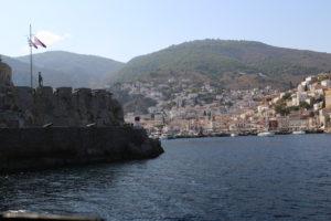 Ingresso al porto di Idra (Hydra)