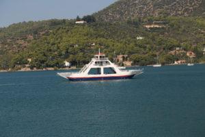 Il Peloponneso visto da Poros.