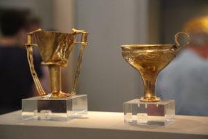 Museo Archeologico, a sinistra Coppa di Nestore.
